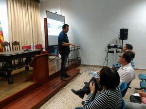 Fidel Expóstio del Servei de Transferència e Innovació del Centre experimental de Vila-real.